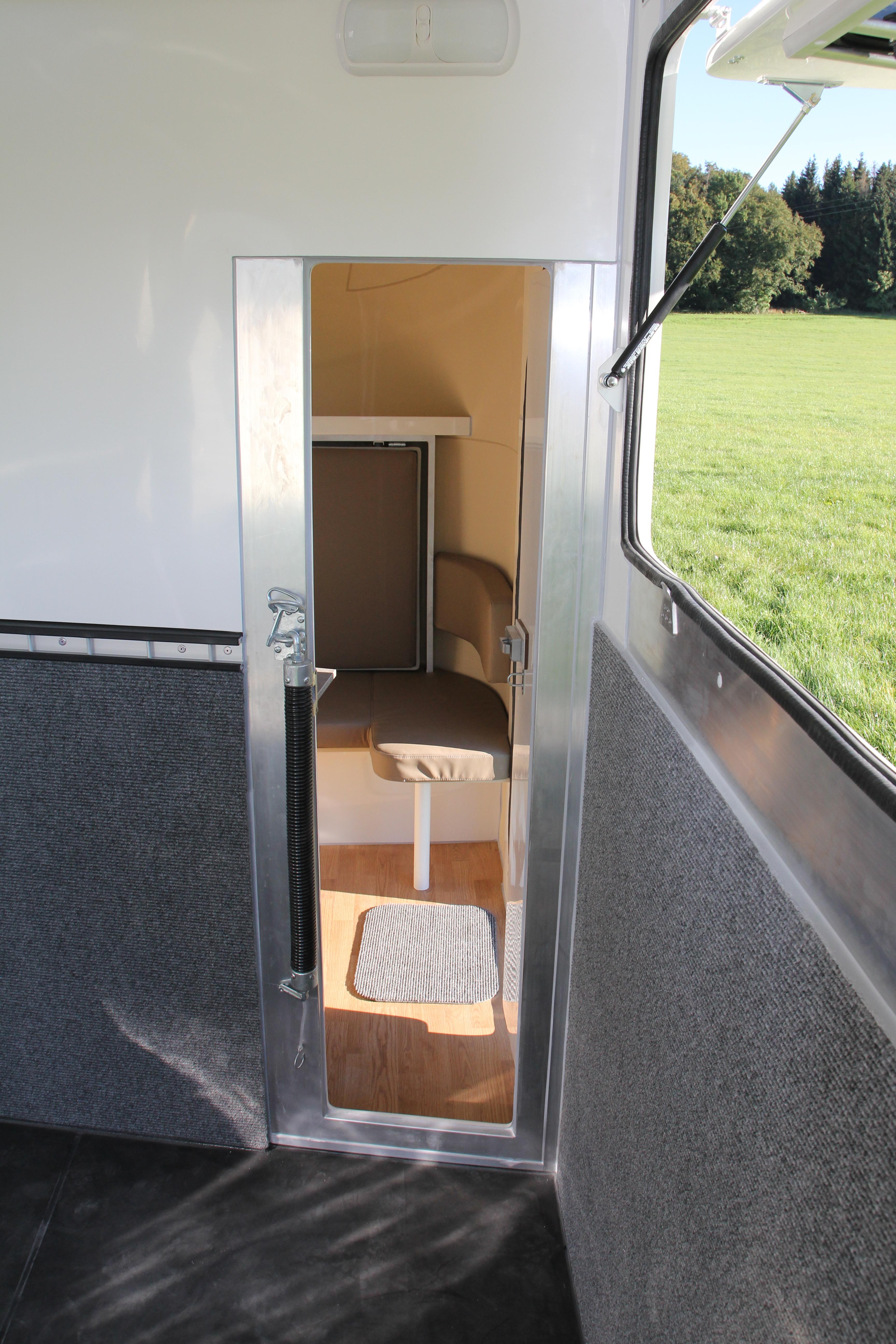 anh nger wms horse solution. Black Bedroom Furniture Sets. Home Design Ideas